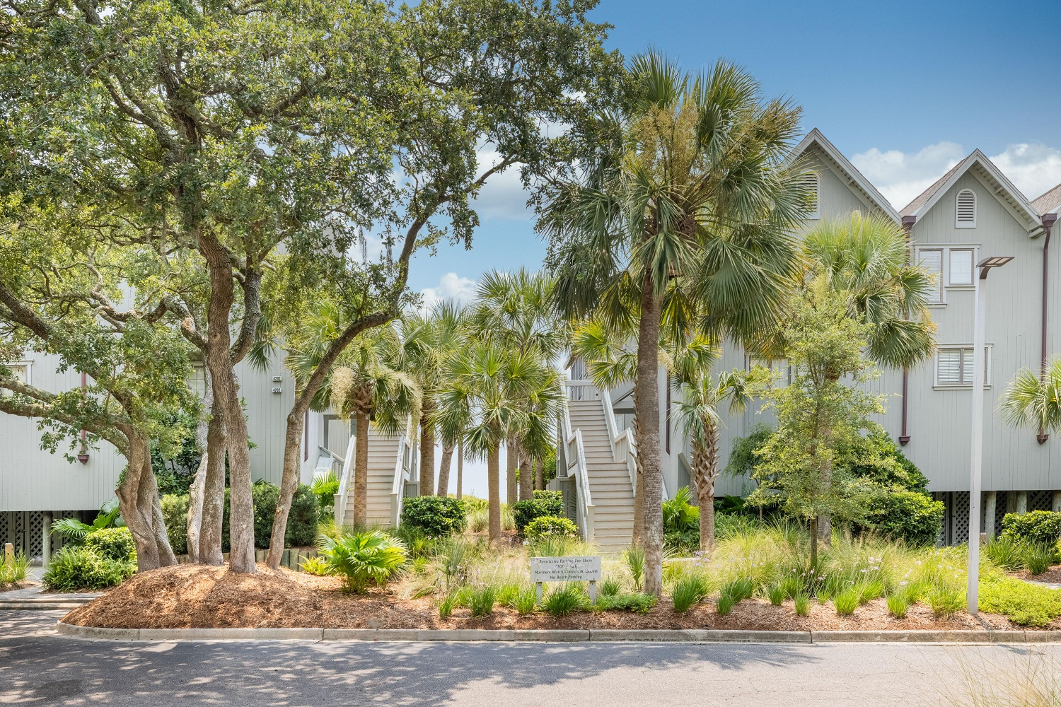 Vacation home landscaping in Souh Carolina