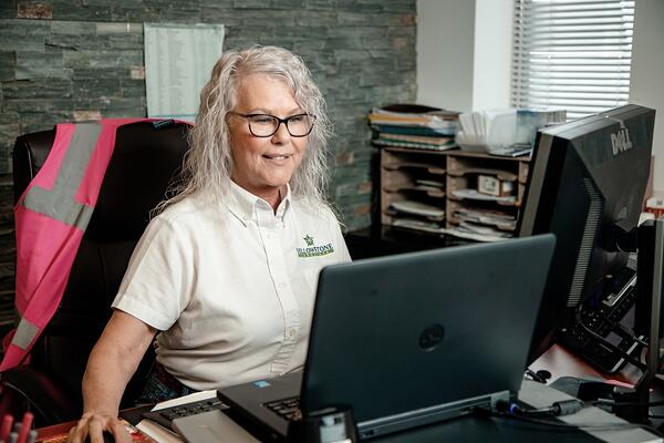 administrative secretary customer support 1