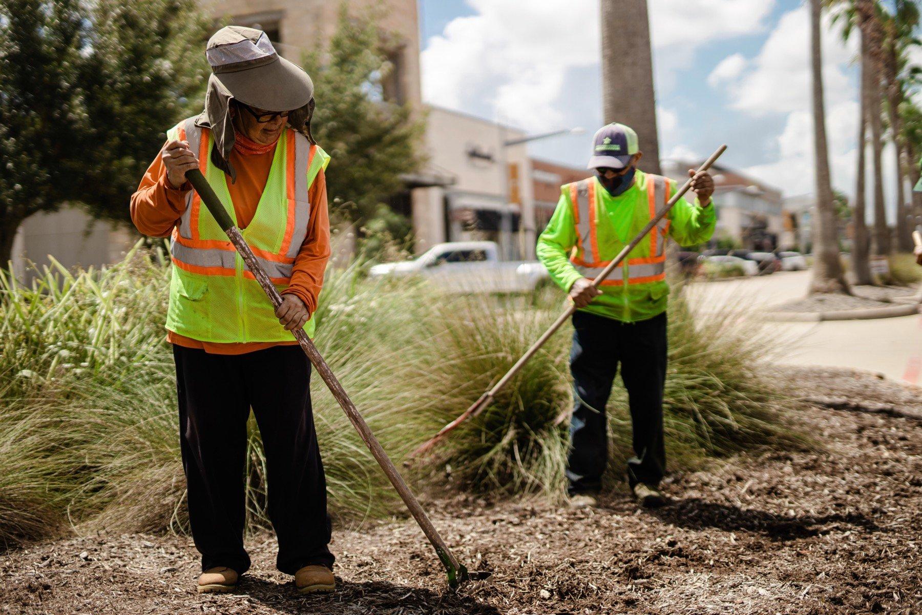 Yellowstone crew installing mulch