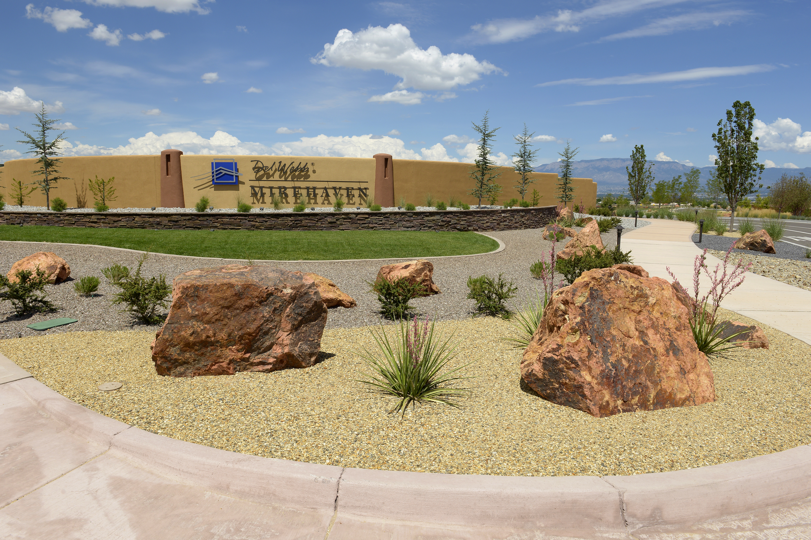 Mirehaven community entryway landscape in Albuquerque, NM